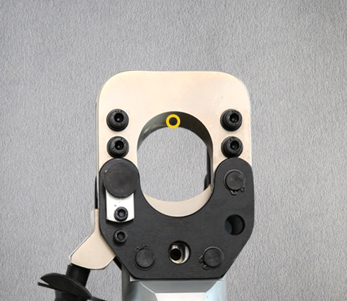 Ratchet cable cutter makes cutting cables no longer laborious